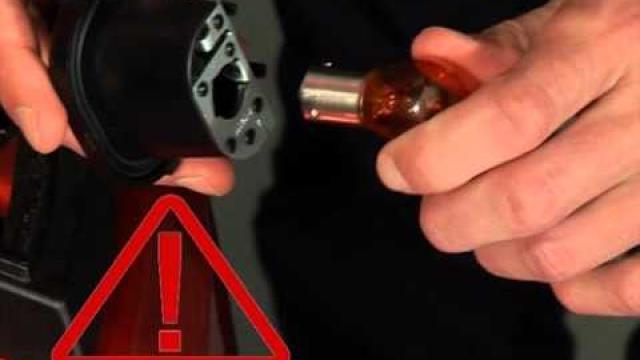 CLIO : Remplacement des feux arrière