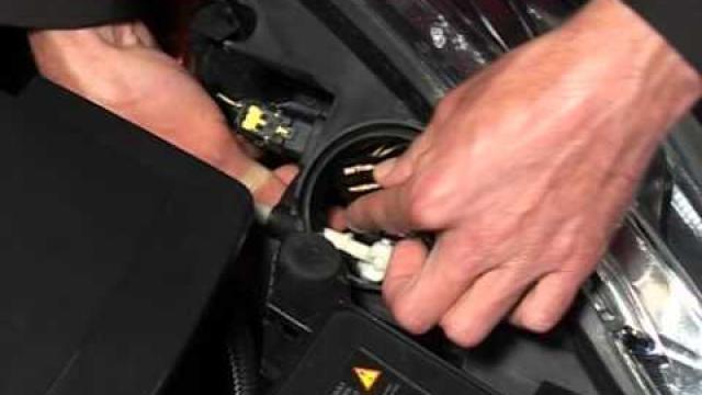 CLIO : Remplacement des feux avant